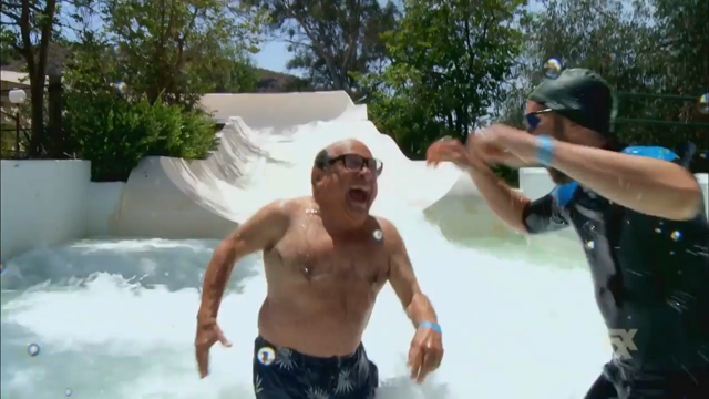 It's Always Sunny in Philadelphia: 12x02 The Gang Goes to a Water Park - promo #01
